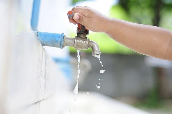 Giữ nguồn nước sạch là một việc làm khó khăn và thử thách