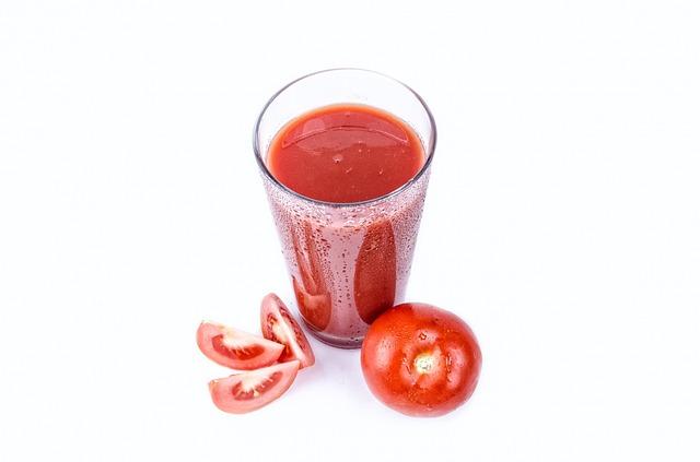 Nước ép cà chua giúp đẹp da, giảm cân hiệu quả