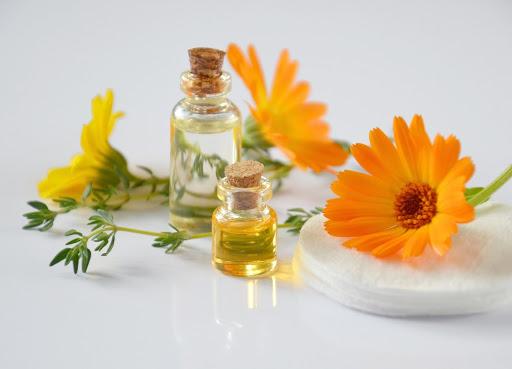 Nước được chưng cất có thể dùng sản xuất nước hoa
