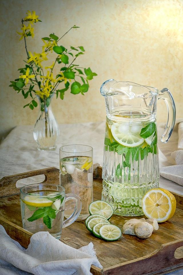 Nước chanh giúp phân hủy chất béo, giảm mỡ thừa ở bụng