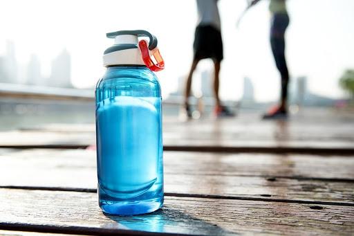 Nước uống dùng cho tập thể thao chứa nhiều hàm lượng chất khoáng tốt cho cơ thể