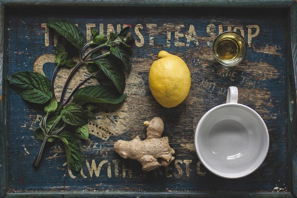 Nước uống giảm mỡ bụng hiệu quả từ trà chanh và gừng