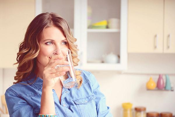 Uống nước đúng cách mang lại lợi ích cho cơ thể