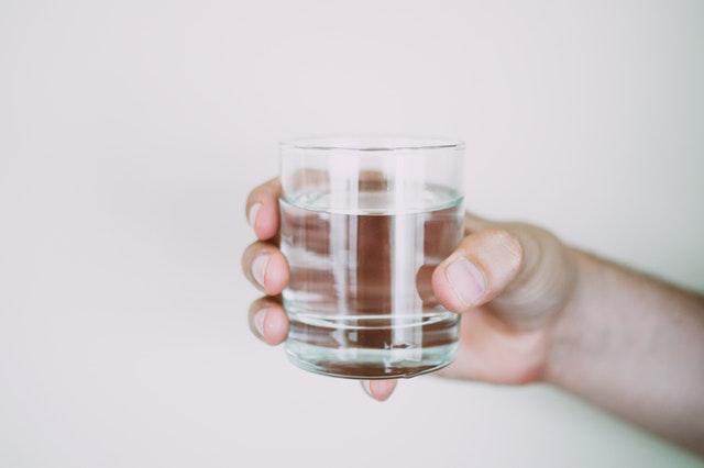Uống nước điện giải thường xuyên có thể ngăn ngừa các loại bệnh