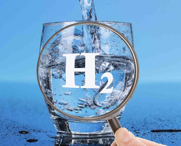 Nước uống hydrogen giúp chống lại quá trình lão hóa ở da rất hiệu quả