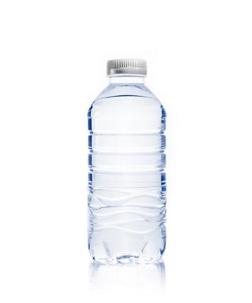 Nước ion kiềm đóng chai hiện nay được sử dụng rộng rãi