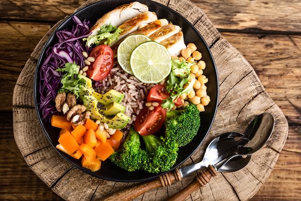 Chế độ ăn cũng ảnh hưởng trực tiếp tới bệnh Gout