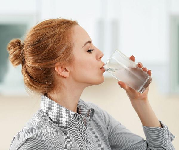 Một ngày uống bao nhiêu nước là đủ