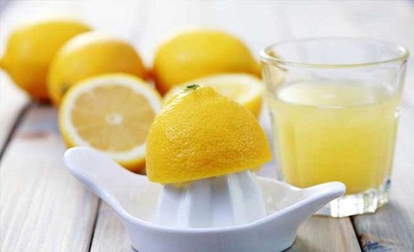 Uống một cốc nước chanh tươi mỗi ngày để tăng cường sức khỏe