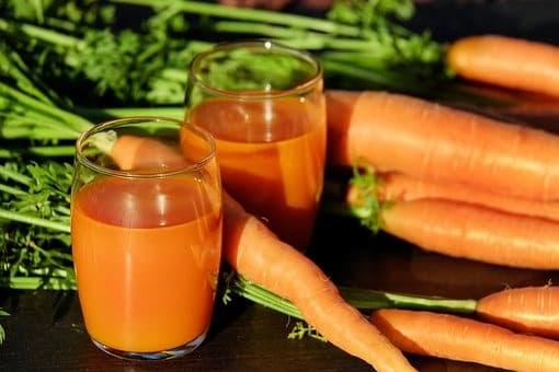 Nước ép cà rốt và lá bạc hà rất tốt cho dạ dày