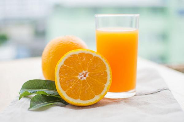 Nước cam mang lại nhiều lợi ích cho sức khỏe con người