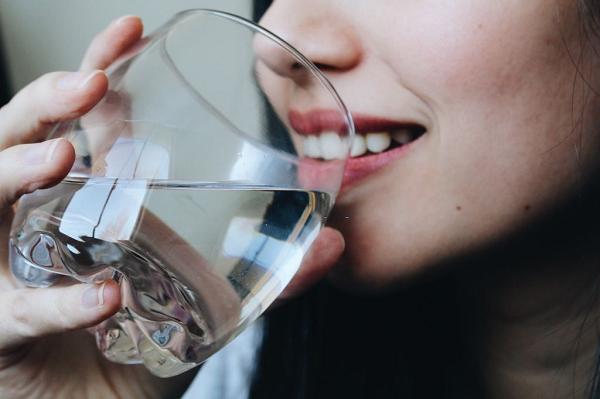 Uống nước muối có tốt không?