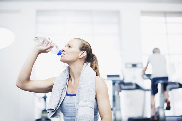 Uống nước hàng ngày để đạt được sức khỏe cao nhất