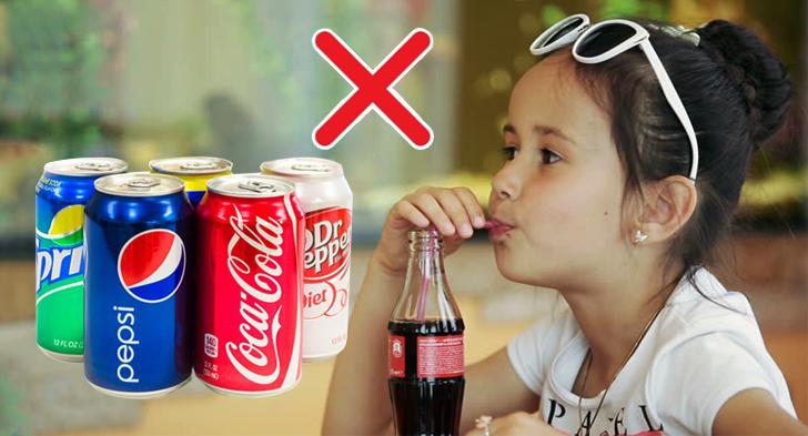 Trẻ em không nên uống nước ngọt quá nhiều