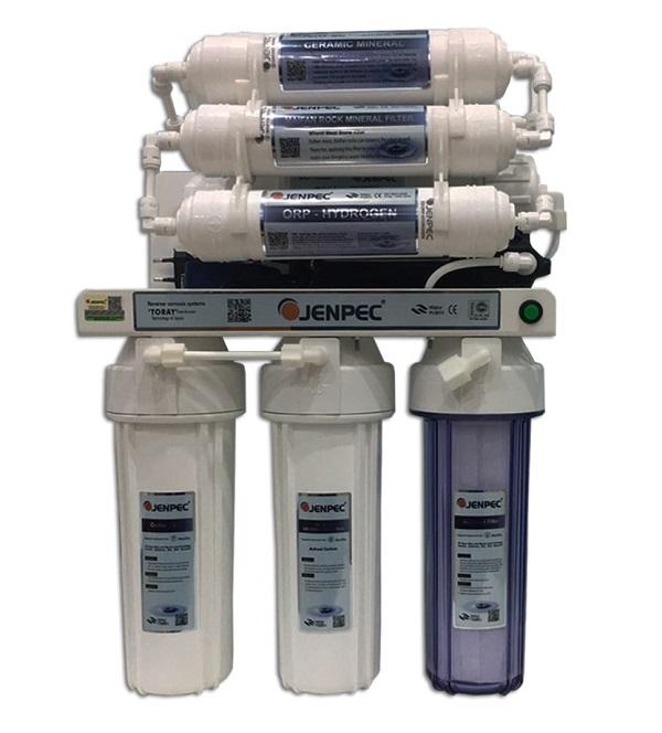 Hệ thống lọc nước RO gồm nhiều lõi lọc khác nhau giúp loại sạch vi khuẩn, bụi bẩn