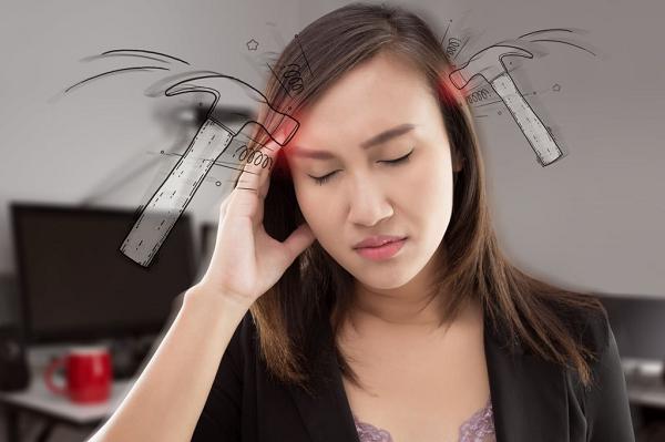 Nhức đầu cũng là dấu hiệu của mất nước