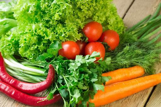Bổ sung nhiều rau xanh, thực phẩm giàu kiềm