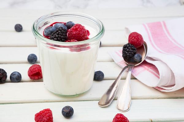 Sữa chua thức uống bổ dưỡng cho người bị đau dạ dày