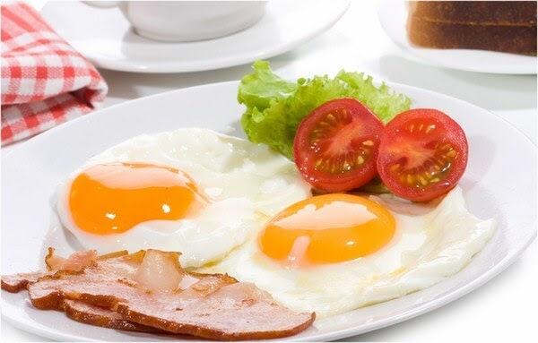 Bạn nên ăn cho no và đầy đủ không nên bỏ bữa sáng