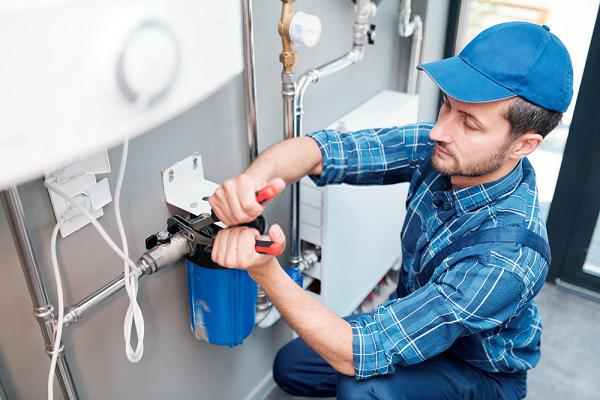 Sửa chữa máy lọc nước Hadumic đơn giản, nhanh gọn
