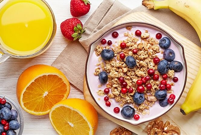 Ăn sáng để cung cấp đủ năng lượng cho một ngày