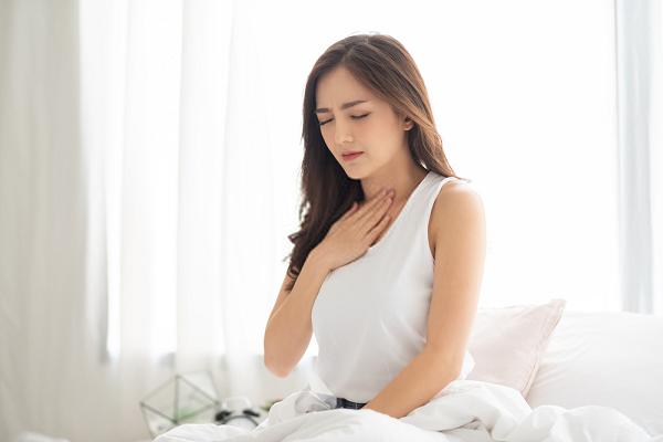 Trào ngược gây ra đau đớn vùng thượng vị