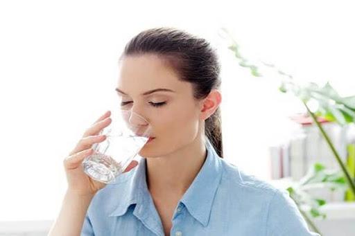 Sử dụng máy lọc nước giúp bảo vệ sức khỏe gia đình bạn